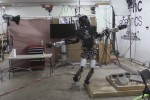 Robot equilibrista per caso, su una gamba per tempo record - Video