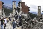 Amatrice, le immagini a un mese dal sisma: segni di vita tra le rovine e i cumuli di macerie