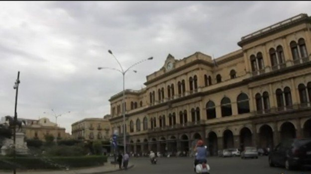 aggressioni, arresti, stazione centrale, violenza, Palermo, Cronaca