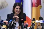 Roma 2024, Raggi: da irresponsabili dire sì alla candidatura. Polemica con Malagò
