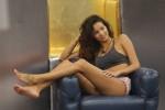 Movenze ammiccanti e docce hot, Mariana Rodriguez oscura tutte al GF Vip