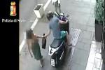 Un frame del video della polizia di Catania