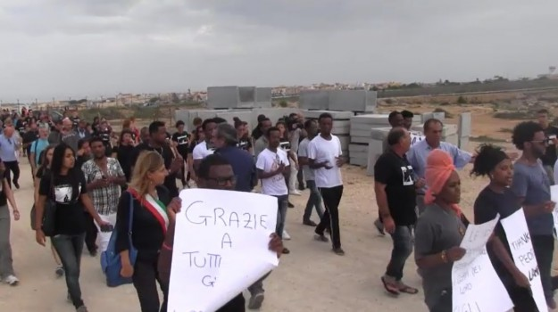 immigrazione, migranti, morti, naufragio, Sicilia, Migranti e orrori