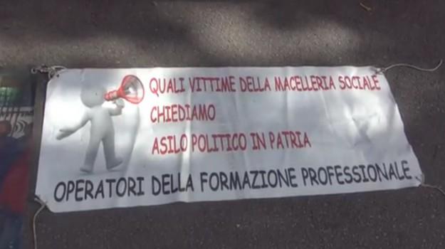 ex sportellisti palermo, protesta formazione, Palermo, Economia