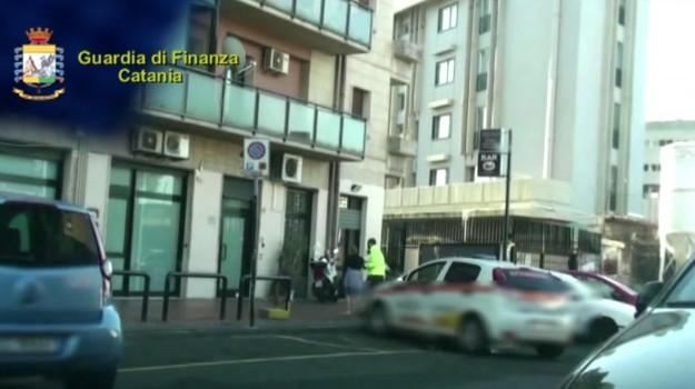 dialisi dirottate catania, operazione bloody money catania, Catania, Cronaca