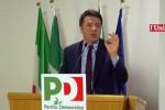 """La resa dei conti nel Pd, Renzi: """"Cambiamo l'Italicum dopo il referendum, basta alibi"""""""