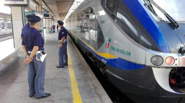 arresto, CASTELVETRANO, polizia ferroviaria, Trapani, Cronaca