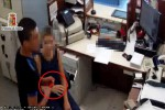 Un frame della rapina, ripreso dalle immagini di videosorveglianza della filiale