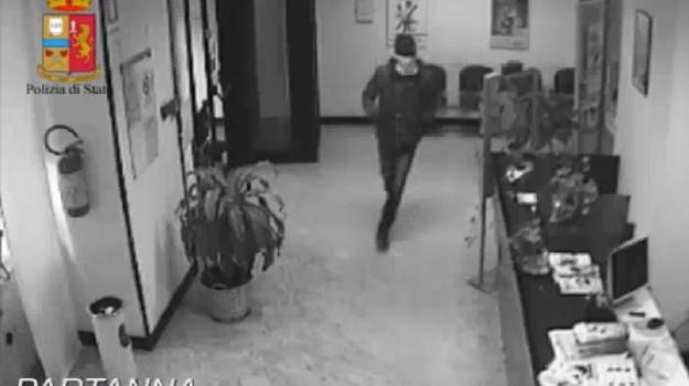 rapina in banca, Trapani, Cronaca