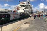 Sbarchi, a Palermo arriva la nave con 388 migranti: a bordo anche un cadavere