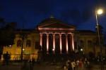 Mille partite in A per il Palermo, il teatro Massimo colorato di rosanero