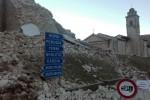Sisma, altra fortissima scossa di 6.5 Paura tra Umbria e Marche, danni e feriti Norcia, crolla basilica di S. Benedetto