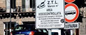 """Arriva il """"Black Friday"""", a Palermo venerdì stop alla Ztl"""