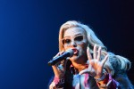 Caught in the middle, Anastacia torna in radio con un nuovo singolo