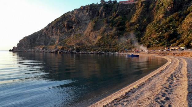 legambiente, milazzo, spiaggia del tono milazzo, Messina, Cronaca