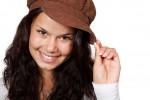Cappello per impreziosire il volto, saperlo indossare è segno di stile