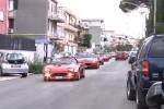 Raduno di Ferrari a Palermo, borgata in festa per la benedizione delle auto - Video