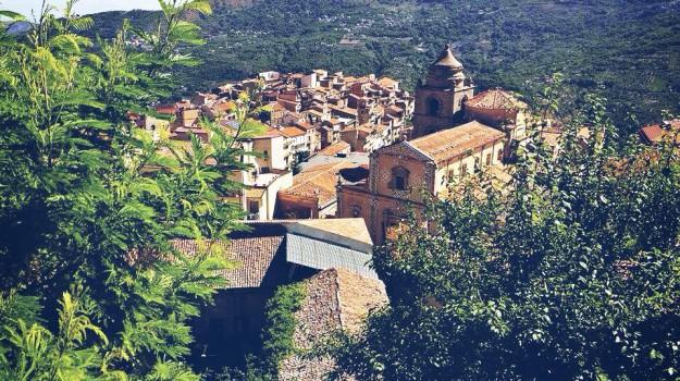 centro accoglienza galati mamertino, Messina, Politica