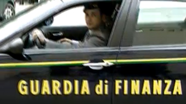 Misterbianco serquestro articoli carnevale, Catania, Cronaca