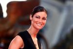 Manuela Arcuri: penso ad un altro figlio, ma lo amerò quanto il primo?