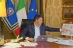 "Renzi, serata ""antibufale"" sui social. ""Impegno a cambiare Italicum"""