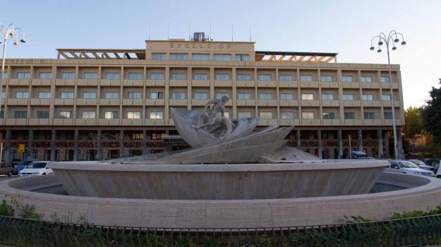 catania, fontana i malavoglia, piazza verga, Catania, Politica
