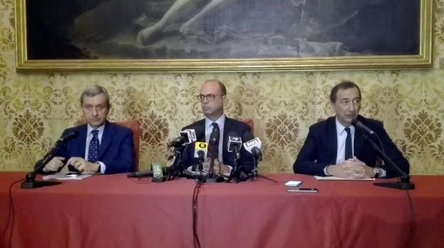 immigrazione, sicurezza milano, violenze a Milano, Angelino Alfano, Sicilia, Politica