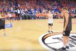 Mannequin da record, in 12 mila immobili per il flash mob - Video