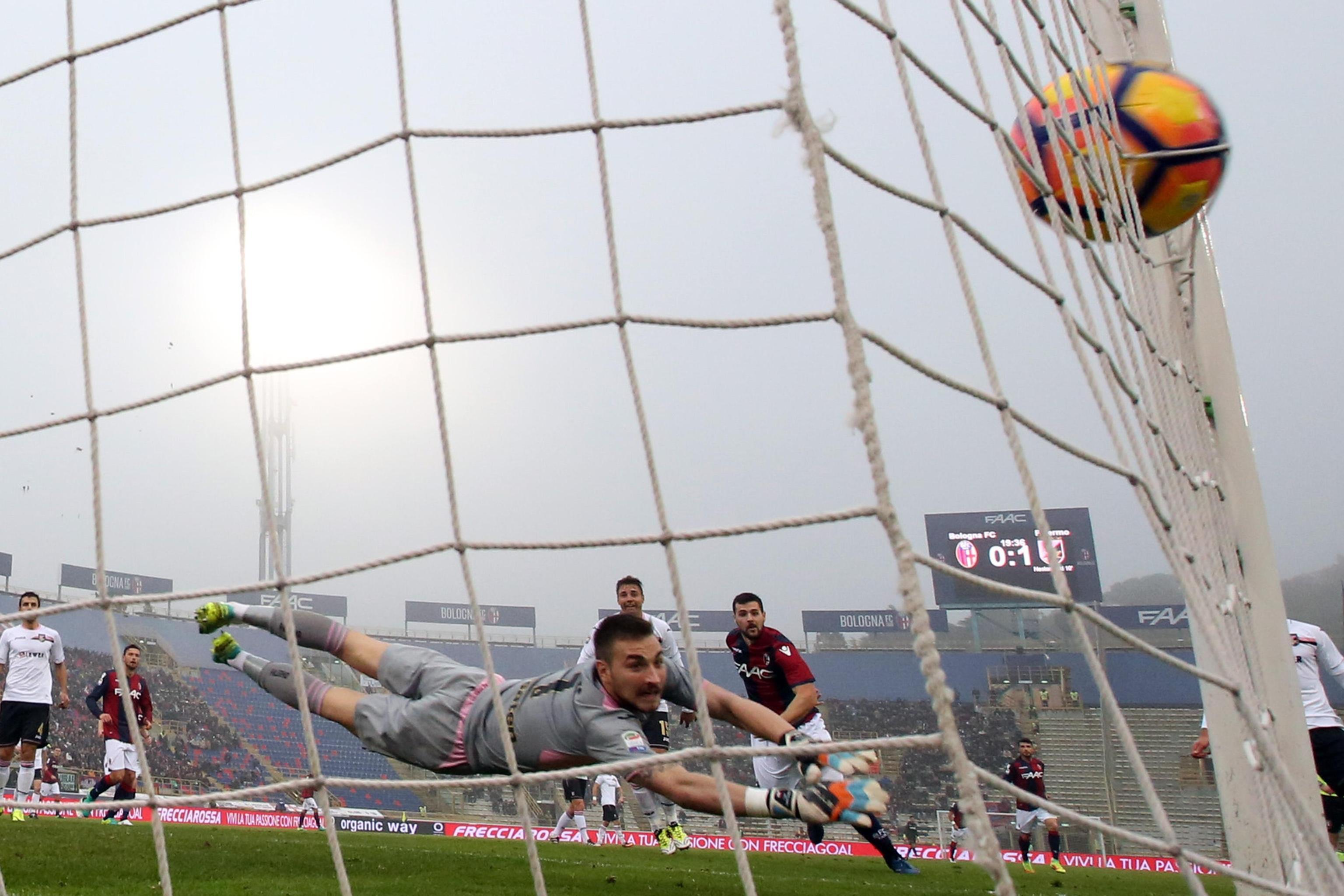 Il Palermo crolla pure a Bologna  3-1 22ea75bda707