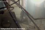 Un drammatico video mostra il bombardamento dell'ospedale di Aleppo