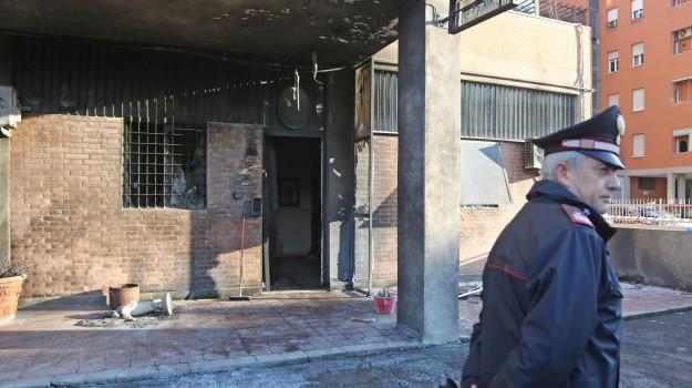 Bologna, carabinieri, caserma dei carabinieri, Sicilia, Cronaca