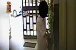 Dipendenti che timbrano e vanno via: ecco le immagini dal Comune di Furci Siculo - Video