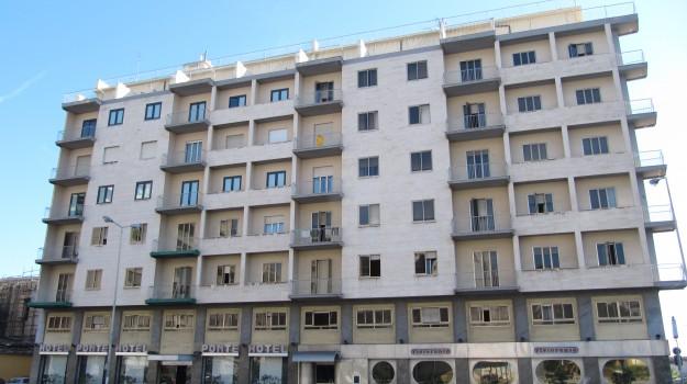 condanna, fondi ue, HOTEL, Palermo, Cronaca