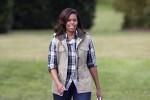 Vaccini anti-Covid, Michelle Obama dialoga con una follower di Modica