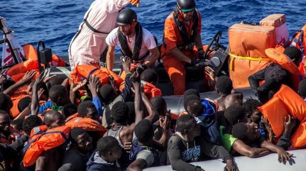 augusta, barca a vela, migranti, Siracusa, Cronaca