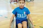 Bimbo disabile asso di basket: ma costretto ad allenarsi coi grandi