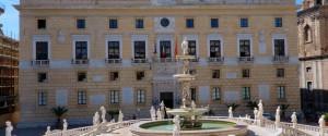 Palermo, ora serve un patto contro l'implosione