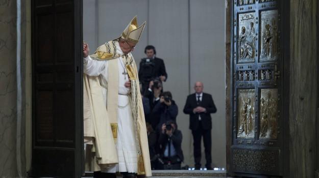 assoluzione aborto, giubileo misericordia, Papa Francesco, Sicilia, Cronaca