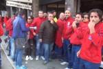 Possibile taglio degli stipendi, protesta dei dipendenti Telecom a Palermo - Video