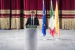 """Renzi a Palermo, in 2mila al Politeama """"Binario unico in Sicilia? Inaccettabile"""""""