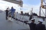 Arrivata a Palermo la nave con 1045 migranti: ecco le immagini dello sbarco