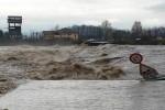 Maltempo, alluvioni da Nord a Sud: un morto in Liguria