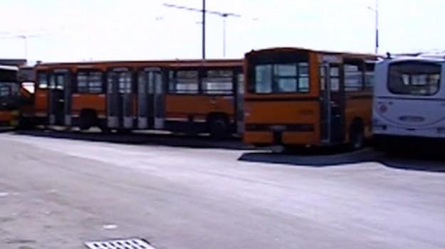 tragitti bus messina, Messina, Politica