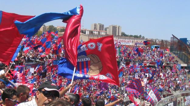 catania ripescato, Catania, Calcio