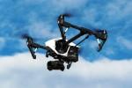 """Magazzini """"volanti"""", Amazon pensa alle consegne con i droni"""