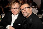 Elton John canta per George Michael e scoppia in lacrime: il video