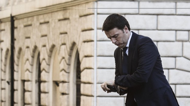 facebook, palazzo chigi, Matteo Renzi, Sicilia, Politica