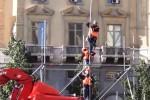 Capodanno a Palermo, gli operai montano il palco a piazza Giulio Cesare: il video