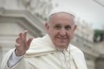 "Roma, il Papa prega l'Immacolata: ""Le famiglie siano tutelate nei diritti umani"""