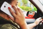 Un automobilista su due si lascia distrarre dallo smartphone mentre guida